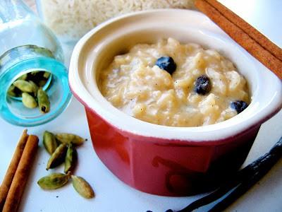 bowl of arroz con leche