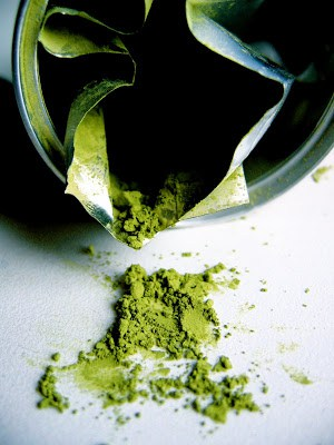 matcha powder in a packet