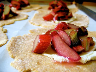 pile of rhubarb slices on pastry