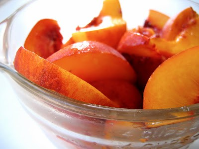 peach slices in a bowl