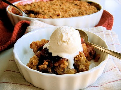 gluten free crumble with ice cream