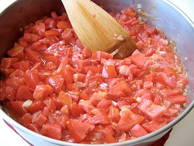 diced tomatoes in pot