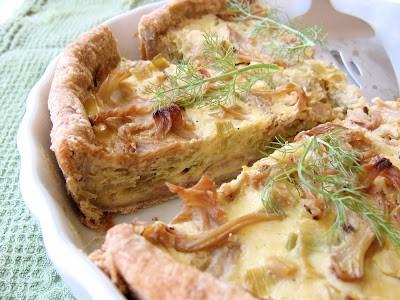 bacon quiche in a pie dish