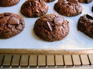 row of chocolate cookies
