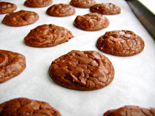 tray of gluten free cookies