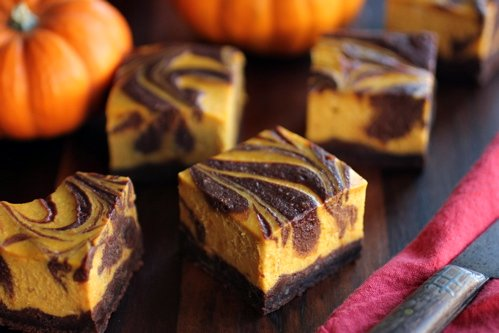 gluten free pumpkin cheesecake brownie squares