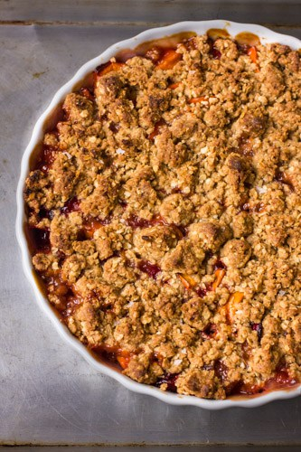 persimmon and cranberry crisp