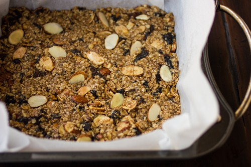 breakfast bar mix in a baking tray