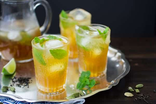 glasses of refreshing moroccan mojitos