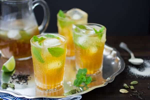 moroccan mojitos on a tray