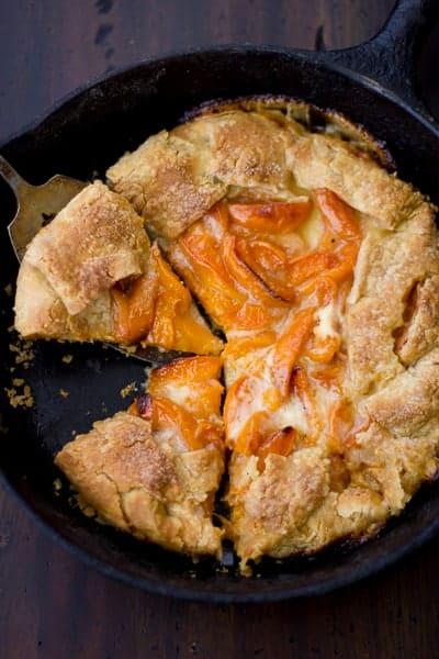 slices of fruit pie