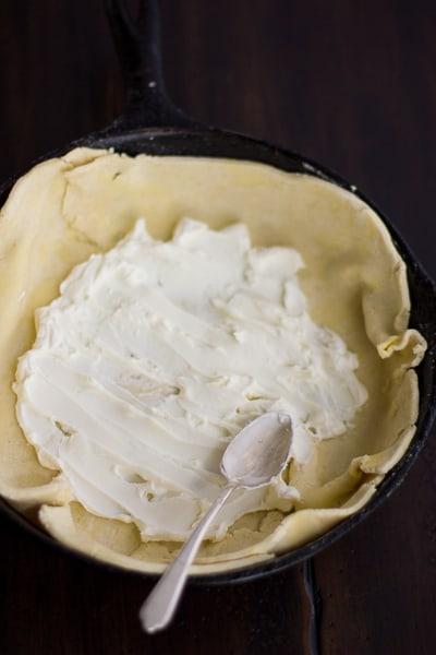 mascarpone on dough