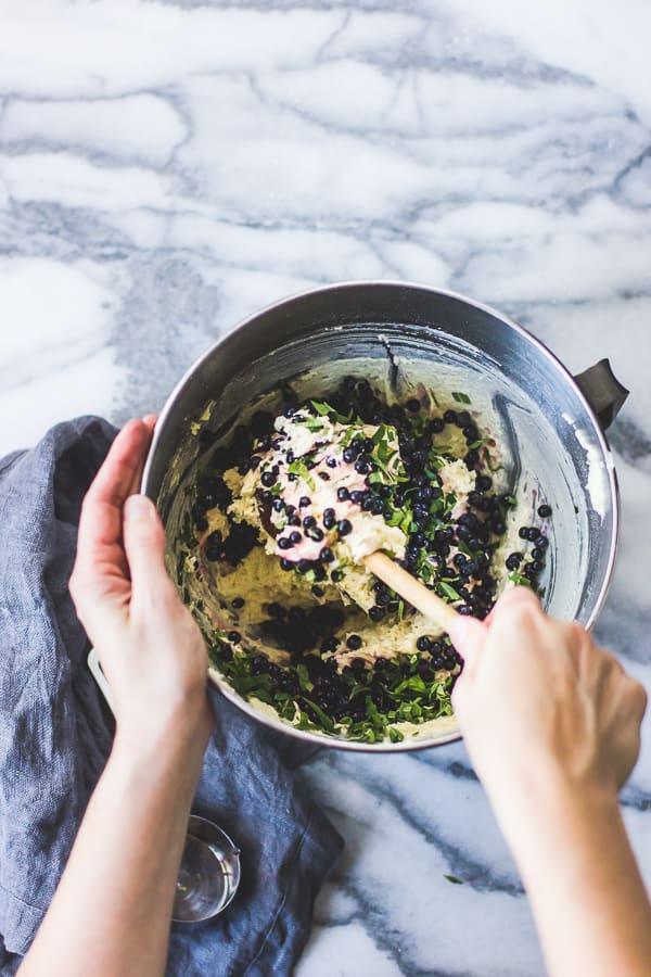 cake mix in bowl