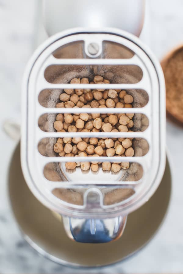 chickpeas in blender