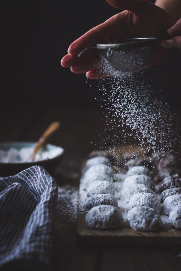 cookies dusted
