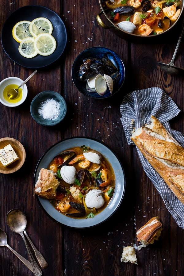 Cioppino with Fennel and Saffron with bread