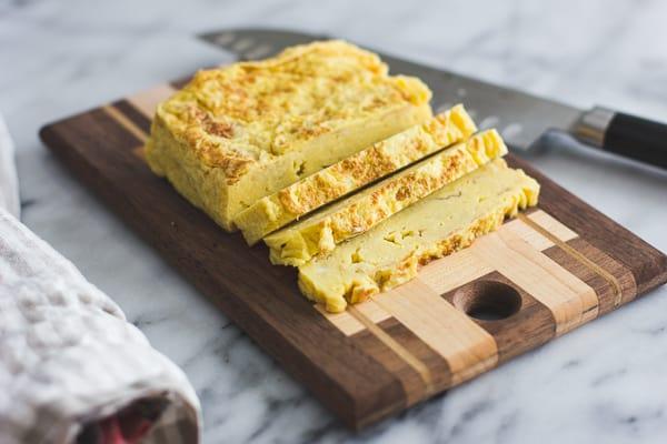 cut omelette