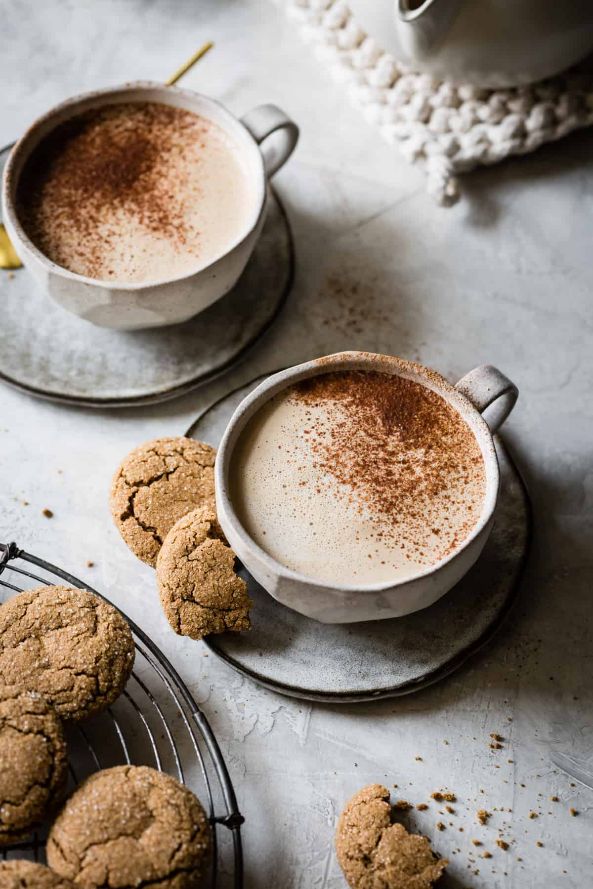Creamy Cashew Gingersnap Lattes {vegan}  in cups