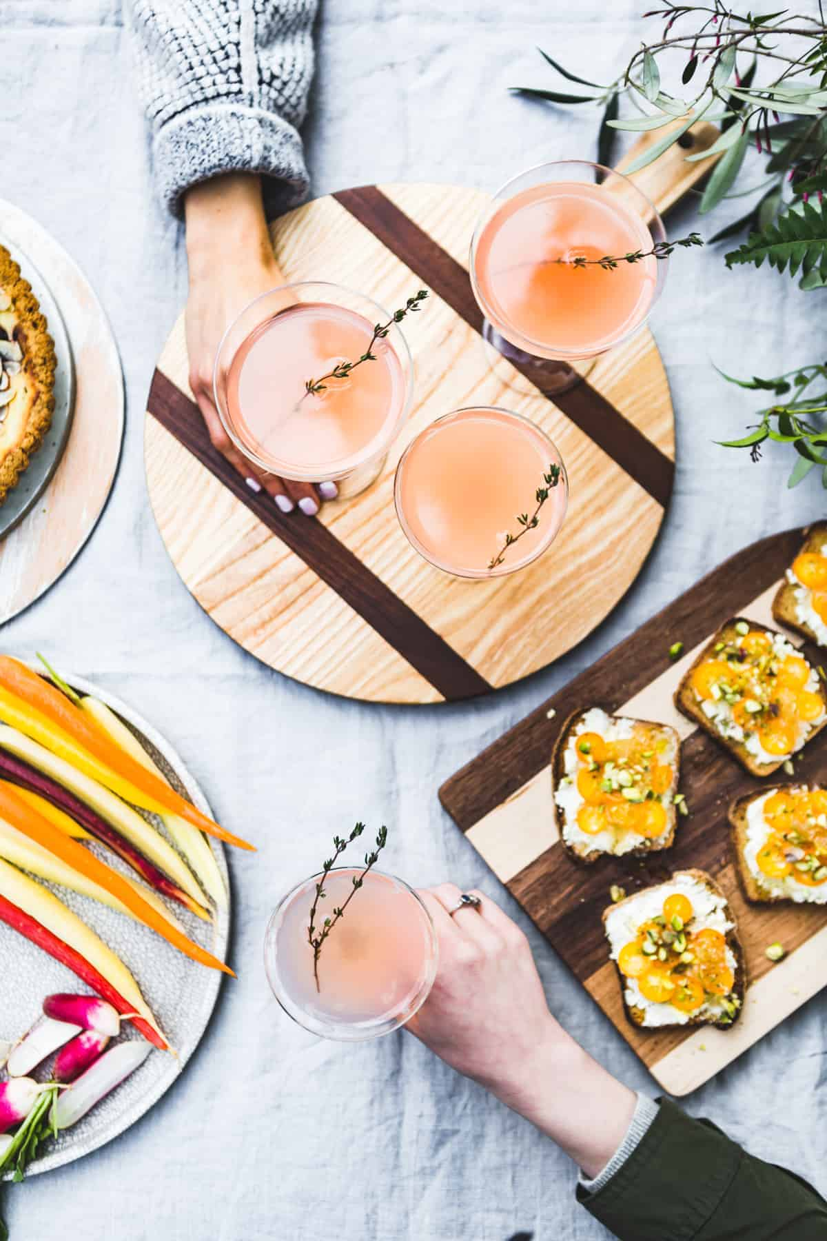 Sparkling Grapefruit, Elderflower & Rosé Vodka Cocktails