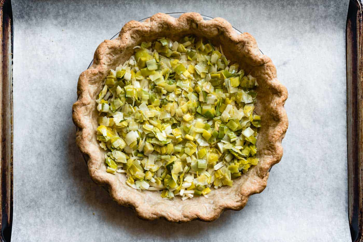 crust with cheese and leeks
