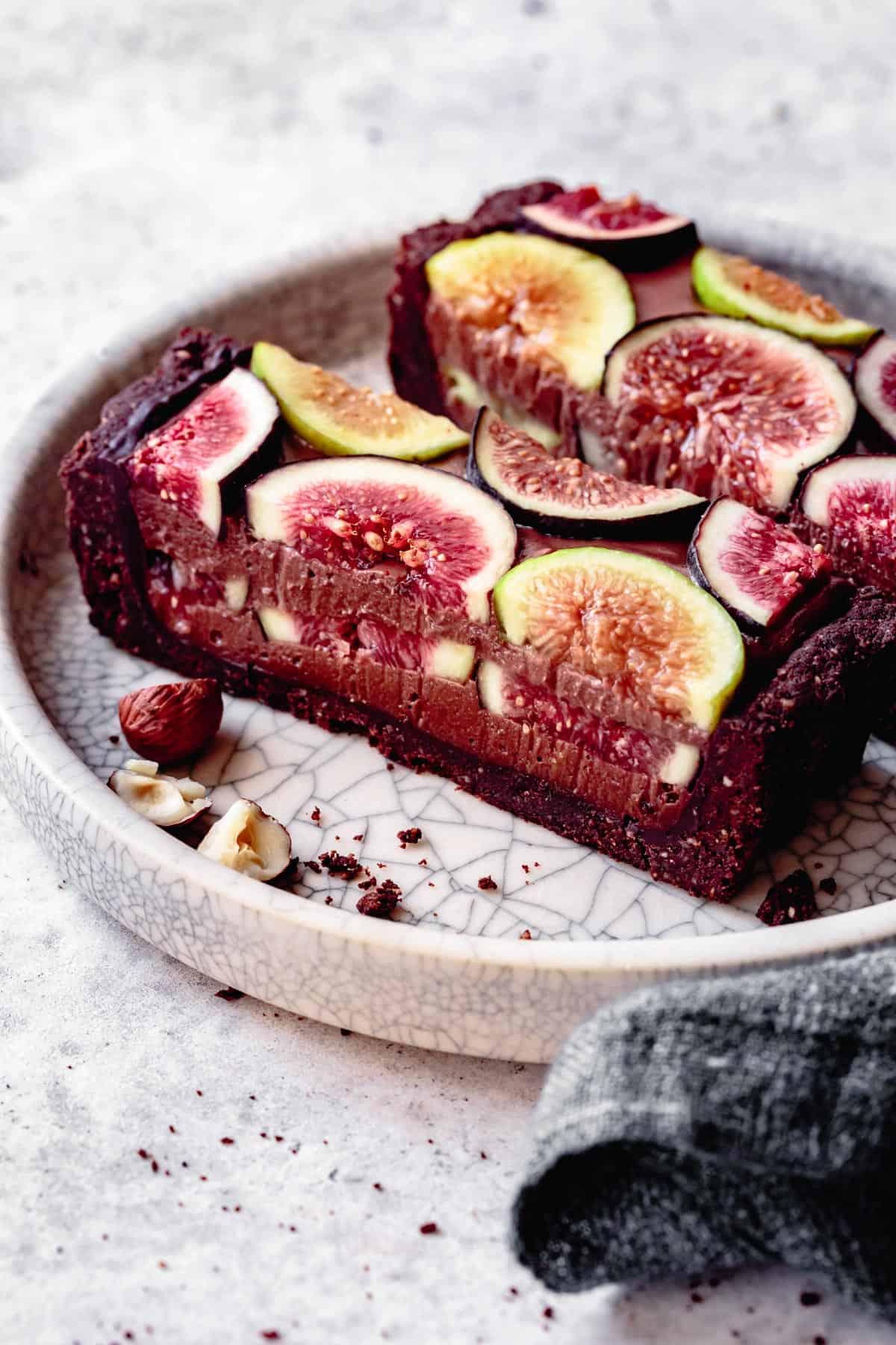vegan chocolate desserts: chocolate fig tart