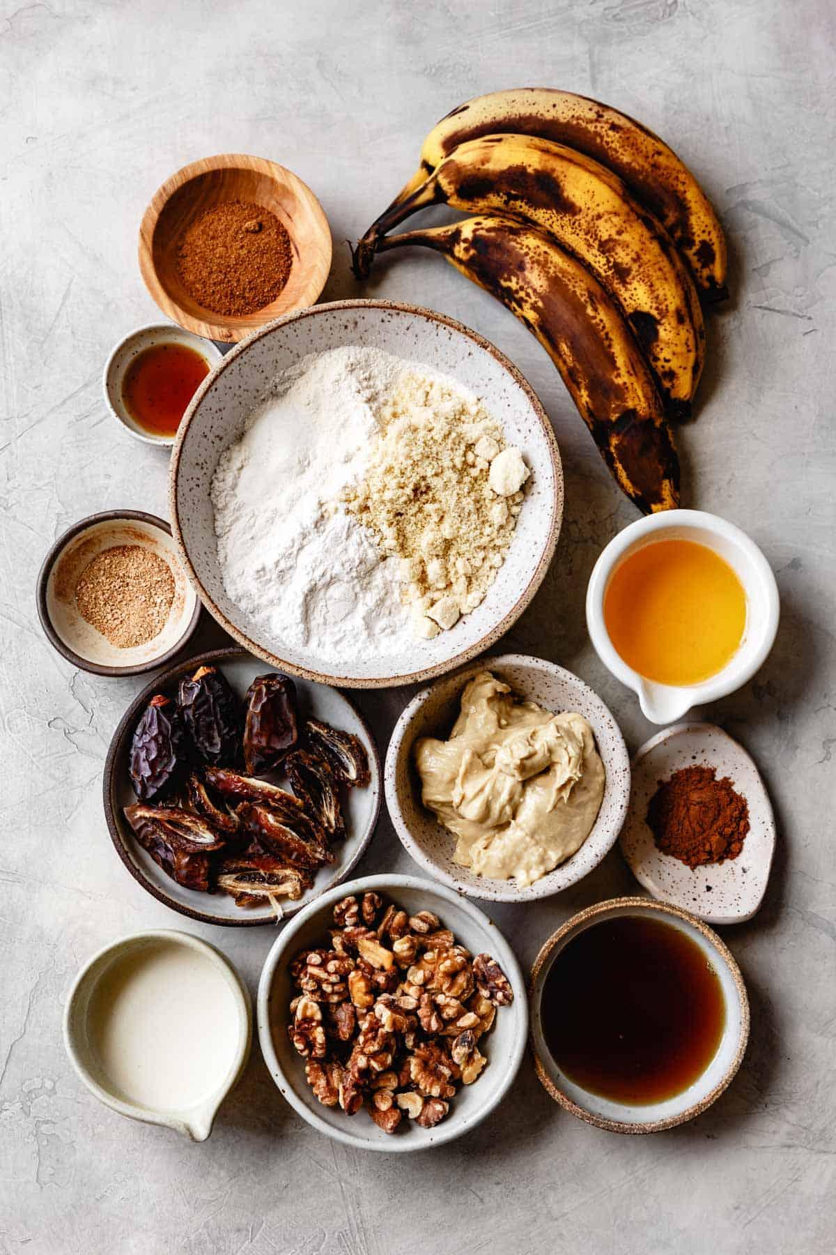 cinnamon date banana bread ingredients