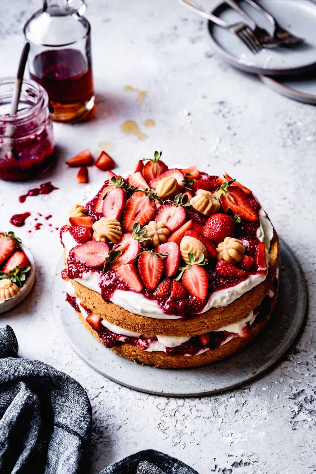 gluten-free chiffon cake with strawberries and maple candies